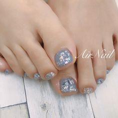 春も夏もOKなフットネイル♪...... ..#네일#네일아트#春ネイル#大人かわいいネイル#大人ネイル#nails#hpb_nail...|ネイルデザインを探すならネイル数No.1のネイルブック