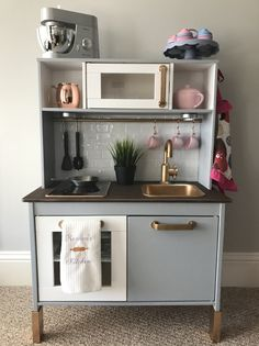 25 DIY Play Kitchen Ideas Apt and Appropriate For Your Little One's Personality!