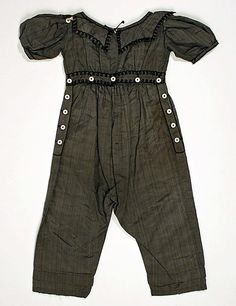1830-39 child's skeleton suit. I know this is extremely weird, but I want this in my size.
