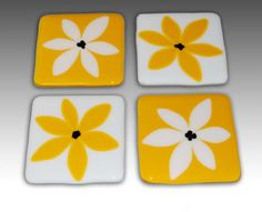 #Daisy - Set of 4 #Coasters #glass #handmade #thecraftstar $60.00
