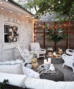 Thoughts for small backyard patios are interminable! Try not to be debilitated if your backyard is little and you figure it can't oblige a hard surface seating territory. A patio can be built in a corner easily. Outdoor Rooms, Outdoor Decor, Outdoor Sheds, Outdoor Living Spaces, Small Patio Spaces, Outdoor Patios, Outdoor Dining, Back Patio, Interior Exterior