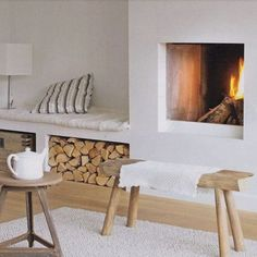 Marie Claire House - A fireplace corner transformed into a small living room Patio Interior, Home Interior, Living Room Interior, Home Living Room, Living Spaces, Small Living, Cosy Corner, Garden Deco, Living Room Storage