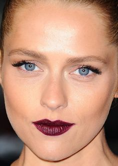 Close-up of Teresa Palmer at the 2015 premiere of 'Point Break'. http://beautyeditor.ca/2015/12/28/best-beauty-looks-daisy-ridley