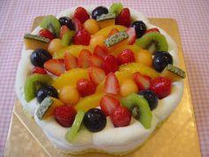 Domenica. Gran caldo. E voi, costa state facendo ?  #poldo #genova #pasticceria #gelateria #torte #weddingcakes #wedding