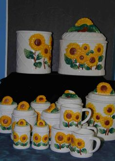 Hey, I found this really awesome Etsy listing at https://www.etsy.com/listing/191289299/sunflower-canister-set-wsalt-pepper