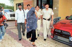 Bollywood upcoming Hot actress Leena Maria Paul arrested By DElhi Police