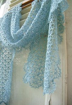Ravelry: Project Gallery for Echarpe clochette pattern by Mam'zelle Flo -free download