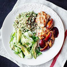 Filety z kurczaka z karmelizowanymi śliwkami Snack Recipes, Healthy Recipes, Snacks, Healthy Food, Cobb Salad, Cabbage, Lunch Box, Chicken, Vegetables