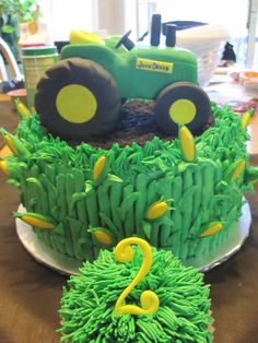 John Deere cake with corn
