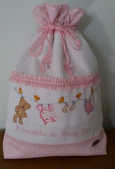 Cape Bebe, Kit Bebe, Cross Stitch Baby, Bag Making, Baby Gifts, Projects To Try, Baby Shower, Embroidery, Sewing