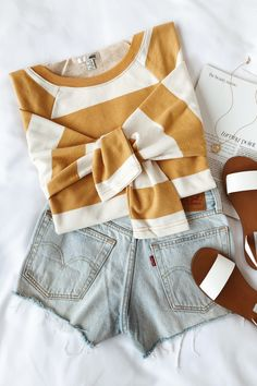 Find Your Inner Fashionista With These Tips And Tricks! Outfits For Teens, Stylish Outfits, Summer Outfits, Cute Outfits, Grunge Style, Soft Grunge, Cute Fashion, Teen Fashion, Fashion Trends