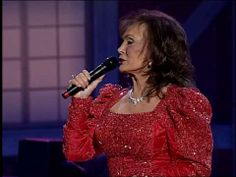 "Loretta Lynn performs ""Coal Miner's Daughter"" at the Grand Ole Opry"