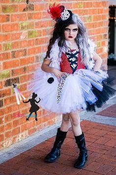 Items similar to Cruella DeVille inspired dress from 101 dalmatians on Etsy Tutu Costumes, Cool Costumes, Halloween Costumes, Costume Ideas, Halloween 2016, Halloween Ideas, Diy Cruella Deville Costume, Halloween Villain, America Girl