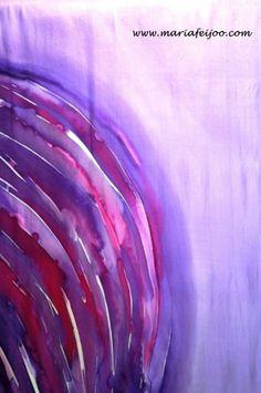 Pieza de seda 100% natural, pintada a mano por María Feijoo. Pieza única (Piece made in 100% natural silk, hand painted, unique piece). www.mariafeijoo.com