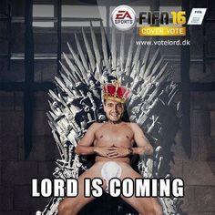 Duńczyk siedzi w samych majtach i na tronie • Nicklas Bendtner nadchodzi w grze FIFA 16 • Lord już gotowy do promowania nowej gry >> #fifa #football #soccer #sports #pilkanozna