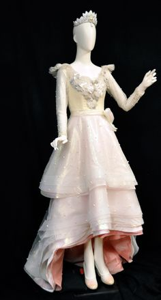 Costume worn by actress Michelle Williams as Glinda, the Good Witch of the North from Disney's Oz, the Great and Powerful (2013)