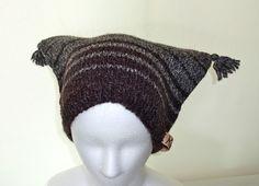 縞にした四角い帽子です。サイズ 頭 回 り  57cm    深さ(高さ) 18.5cm    素  材   ウール100%|ハンドメイド、手作り、手仕事品の通販・販売・購入ならCreema。