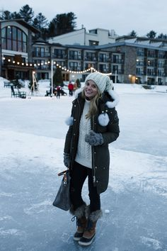 chicago winter outfits Top 10 Reasons To Visit Lake Placid In The Winter By Styled Snapshots Winter Travel Outfit, Winter Fashion Outfits, Fall Winter Outfits, Winter Wear, Autumn Winter Fashion, Snow Outfits For Women, New York Winter Outfit, Winter Packing, Ski Fashion
