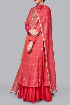 Designer suits - buy ishya suit for women online - fwr_pink - anita dongre Designer Suits Online, Indian Designer Suits, Designer Dresses, Designer Kurtis, Designer Clothing, Indian Wedding Outfits, Indian Outfits, Indian Clothes, Punjabi Suit For Ladies