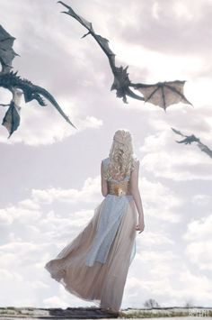 Daenerys Targaryens Dragons look so magnificent don't they. Mother of dragons is so proud. Save this picture from Game of Thrones capturing Daenerys Targaryen Aesthetic as your phone wallpaper. Art Game Of Thrones, Game Of Thrones Facts, Game Of Thrones Dragons, Game Of Thrones Quotes, Game Of Thrones Funny, Game Of Thrones Khaleesi, Game Of Thrones Tattoo, Game Of Thrones Tumblr, Game Of Thrones Pictures