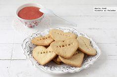 Receta de galletas sin huevo con crema de fresas