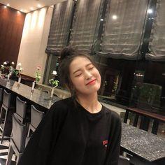 Arin Oh My Girl, Who Runs The World, Ballet Girls, Sistar, Kim Jennie, Iconic Women, Ulzzang Girl, Cute Wallpapers, Kpop Girls