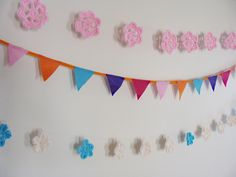 Super Cute Crocheted Flower Garland: A Breath of Spring!