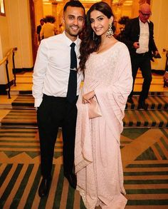 Sonam Kapoor is busy making India proud at the Cannes Film Festival and husband Anand Ahuja, who is in Delhi, feels extremely proud of his ladylove. Bollywood Couples, Bollywood Wedding, Bollywood Stars, Bollywood Celebrities, Bollywood Fashion, Bollywood Actress, Sonam Kapoor Height, Fashion Couple, Girl Fashion