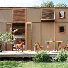 「プレハブの小屋=工事現場で見かけるユニットハウス」。そんな私たちの固定観念を覆すような、簡素だけれど美しい2 ...