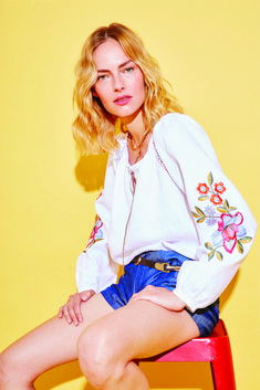 Embroidery linen blouse