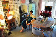 Ubicado en una fila de casas, semi-idénticos-del siglo 18, en una tranquila calle iluminada por el sol en Camberwell, vive la modelo Eri...