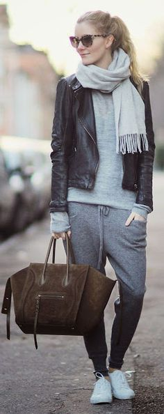 Fall fashion | Yoga pants, sneakers, pale scarf and leather jacket