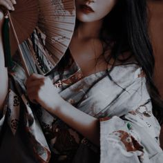 Aesthetic Japan, Aesthetic Images, Aesthetic Photo, Aesthetic Girl, Modern Disney, Character Aesthetic, Empire Of Storms, Geisha, Wattpad
