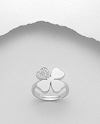 925 sterling silver clover ring decorated with cubic zirconia