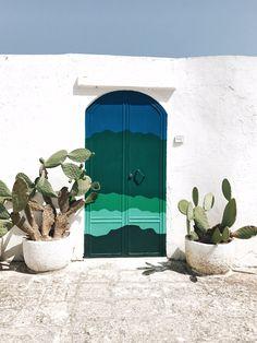 La Puglia è una terra ricca di colori, sapori ed emozioni, una terra che non ti stancherebbe mai Oggi ritorniamo a parlarne per condividere con voi il nostro tour alla scoperta di Ostuni e della Valle d'Itria ma non solo Scopritelo subito cliccando qui #splitmind #lifestyle #tour #Puglia #summer #estate