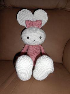 Huggy Bunny crochet
