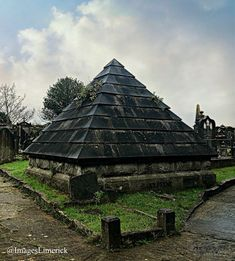 Bannatyne Mausoleum, Church Street, Limerick, Irish, Street, Building, Travel, Construction, Trips, Irish Language, Buildings, Viajes