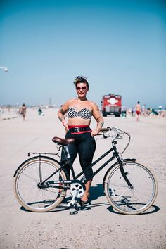 Stylish New Yorkers Pose for Portraits with Their Bikes - My Modern Met