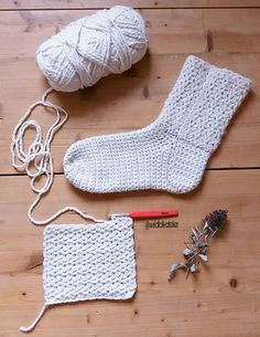 "#Patron #Chaussettes ""Elsa"" au #Crochet ~ ""Elsa"" Crochet #Slipper #Socks #Pattern #free #gratuit #ganchillo Knitted Slippers, Slipper Socks, Crochet Slippers, Crochet Shawl, Free Crochet, Knit Crochet, Elsa, Christmas Crochet Blanket, Crochet Patron"