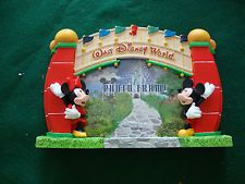 Walt Disney World Entrance Photo Frame With Mickey and Minnie New In Box