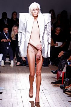 Maison Margiela Spring 2011 Ready-to-Wear - Collection - Gallery - Style.com