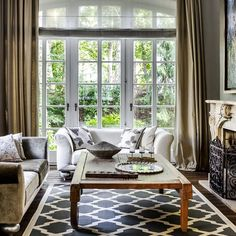 Maison Sosna ... #home #interiors #interiordesign #moodworks #mooddesign #snuszkaikuć #classic #style #casa #lifestyle #instahome #instalike #instagood #livingroom #living #relax #goodmood #architecture #view #etrohome #etro  #cuscini