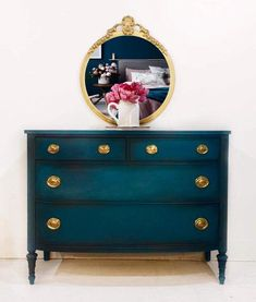 Beautifully restored and hand painted Duncan Phyfe chest - Dekoration Ideen 2019 Redo Furniture, Furniture Rehab, Decor, Furniture Diy, Painted Furniture, Refurbished Furniture, Furniture, Furniture Inspiration, Home Decor