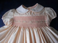 Les robes de petites filles de l'époque