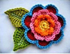 Esta flor es una fantástica opción para agregar a manualidades, sombreros y otras prendas tejidas o...