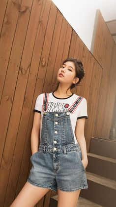 Suzy (수지) is a South Korean actress and solo singer under Management SOOP. Suzy debuted as a member of MissA in March 2010 under JYP En. Bae Suzy, Korean Girl, Asian Girl, Guess Clothing, Miss A Suzy, The Girlfriends, Korean Celebrities, Korean Actresses, Ulzzang Girl
