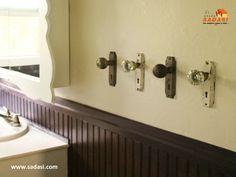 #hogar LAS MEJORES CASAS DE MÉXICO. Si quiere tener unos originales toalleros, lo que puede hacer es conseguir perillas de puertas ya viejas en desuso o comprar unas nuevas y colocarlas en la pared de su baño. Esto le dará un toque muy original a ésta habitación y usted tendrá un muy durable toallero. En Grupo Sadasi, nos preocupamos por usted y los suyos y le ofrecemos diferentes esquemas de crédito para que adquieran de una forma fácil, su casa. informes@sadasi.com