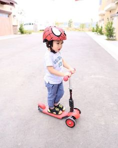 Even Spiderman rides a Y Glider. Living the scooter life! --- Kids   Outdoor activities   Parenting   Toys   Scooter   Kids scooter   Yvolution   Mother   Toddler   Y Glider