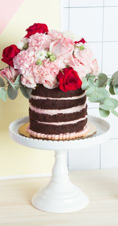 Flower topped cake | A Subtle Revelry