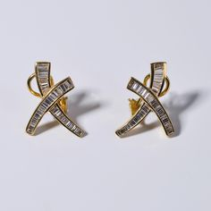 Yellowgold Earrings 18kt and Diamonds #diamonds #18kt #gold #earrings #trapece #Trapez #shop.djassemi #djassemi